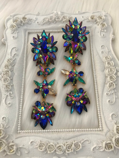 Limited Earrings 359
